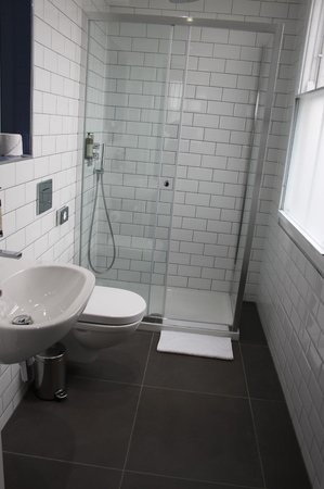 W12 Rooms : bathroom 305