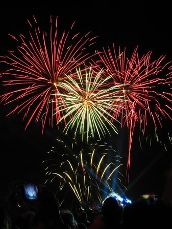 Hotel France et Chateaubriand : July 14th Fireworks display near hotel