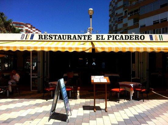 Restaurante El Picadero: El Picadero - exterior
