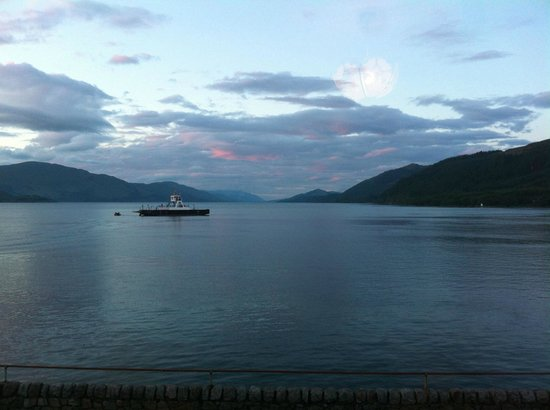 Inn at Ardgour: Loch at sunset