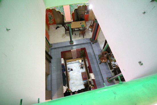 Baba Guest House: Looking down into receptio