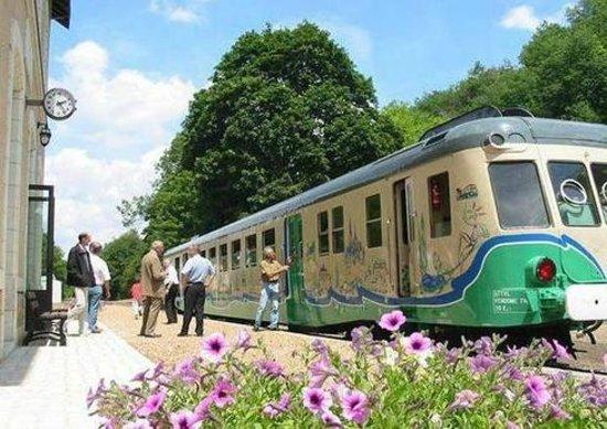 Thore-la-Rochette, ฝรั่งเศส: Petit Train de la Vallée du Loir
