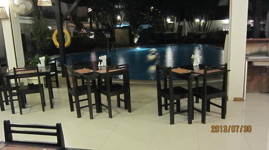 Bamboo Beach Hotel & Spa: Dining