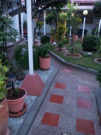 Casa Omaira: jardín