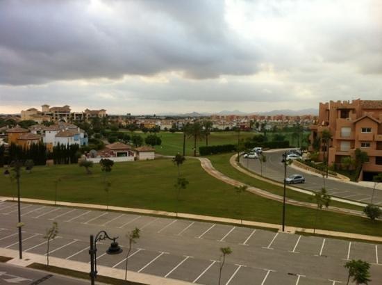 Torre-Pacheco, Spanien: utsikt mot driving range, med hotellet i bakgrunnen
