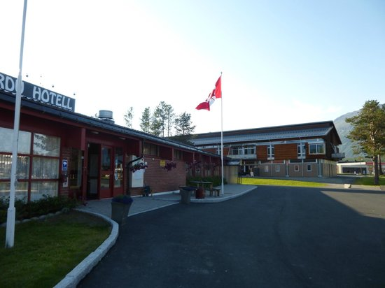 Bardu Hotell: the staff flew a Canadian flag at the front of the hotel to honour their Canadian guests