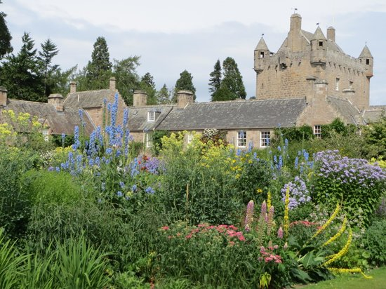Ardconnel House B&B: Cawdor Castle