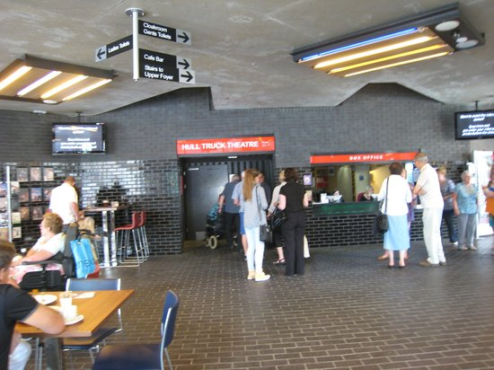 Hull Truck Theatre: Foyer & cafe