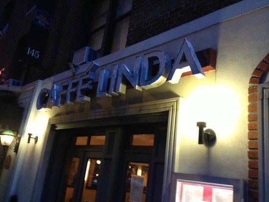 Caffe Linda: Caffee Linda entry aera