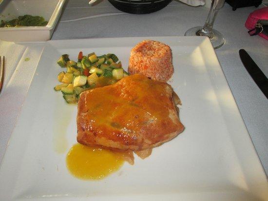Catalonia Riviera Maya: Chicken from Mexican Restaurant...Gross!!