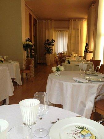 Le Pavillon des Boulevards: Restaurant