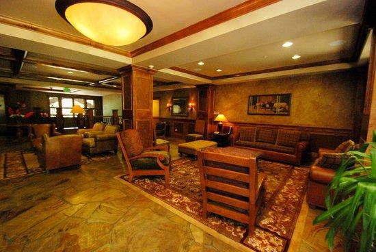 Lone Eagle Condos at River Run Village: Lobby