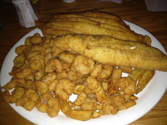 Atlantic Seafood & Steaks Restaurant: Fried calabash shrimp and flounder