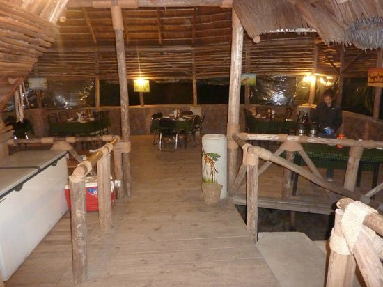 Ikoma Wildcamp: The dining during dinner time