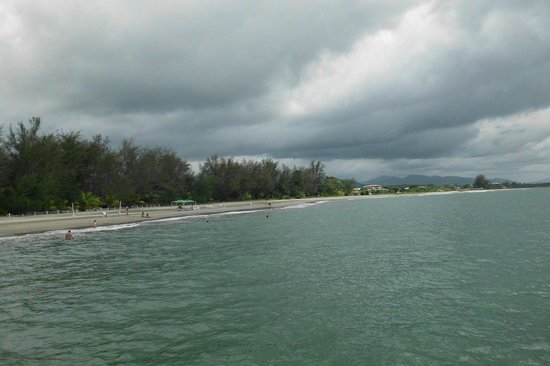 La Ensenada Beach Resort & Convention Center: Playa