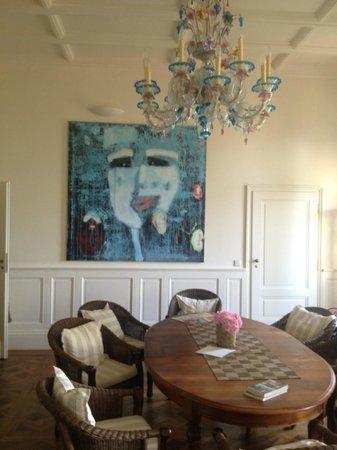 Bordeaux Chateau B&B: reception room