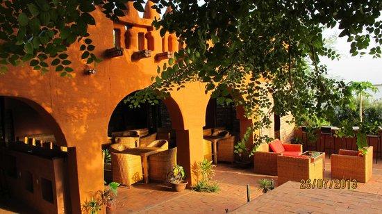 Hambe Hotel Bar Restaurant: Restaurant