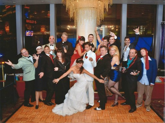 Tony N' Tina's Wedding : Join the Vitales and Nunzios for one CRAZY celebration!!