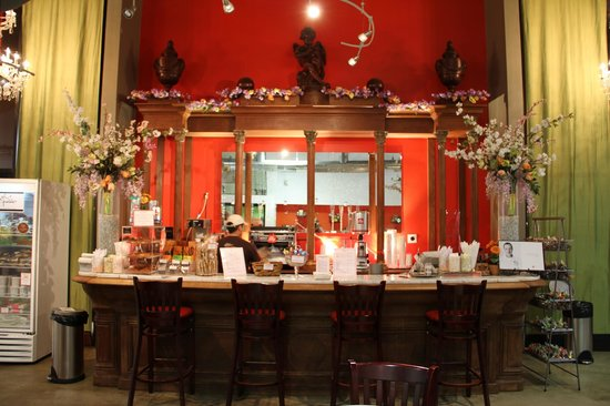 The Chocolate Museum & Experience with Jacques Torres : Our coffee and hot chocolate bar