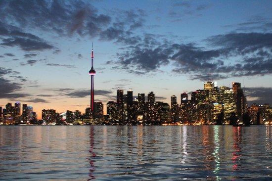 Toronto Bicycle Tours : Toronto...Jewel of Canada