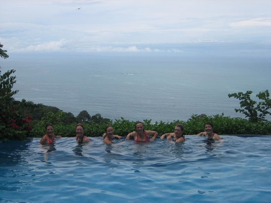 Kalon Surf - Surf Coaching Resort: Relaxing after a day of surfing