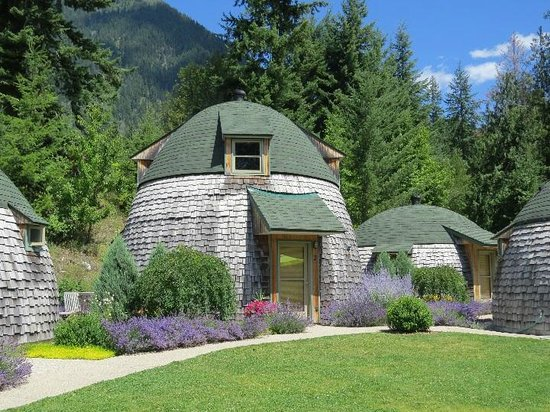 The Domes: Cottages at Villa Dome Quixote, New Denver BC