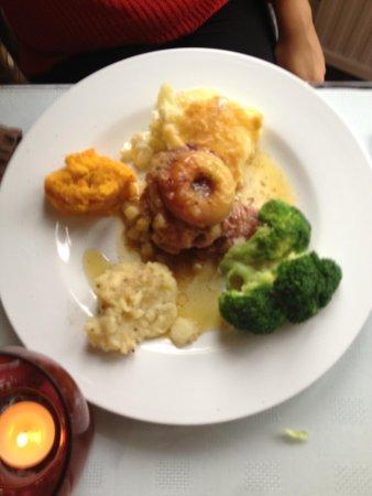 Cascades Restaurant: Delicious