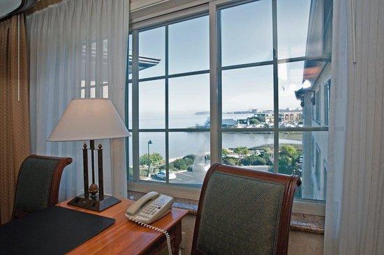 Bay Landing Hotel: Bay View Room