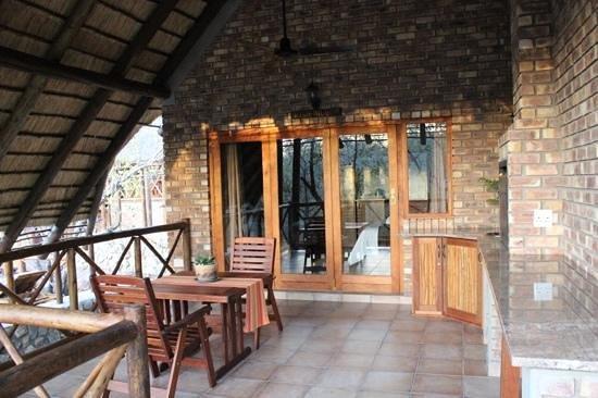 La Kruger Lifestyle Lodge : room from outside