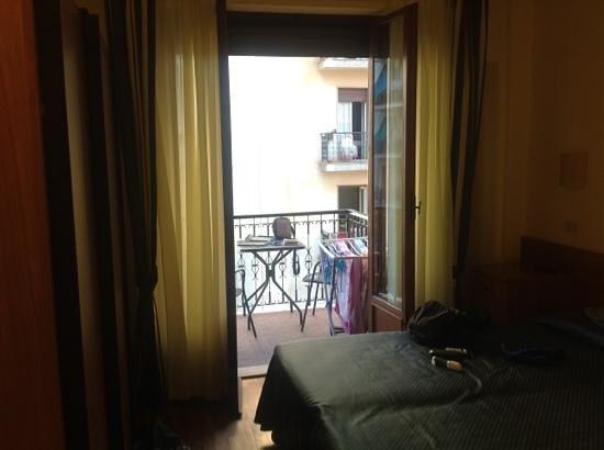 Nuovo Bristol Hotel: kamer met balkonnetje