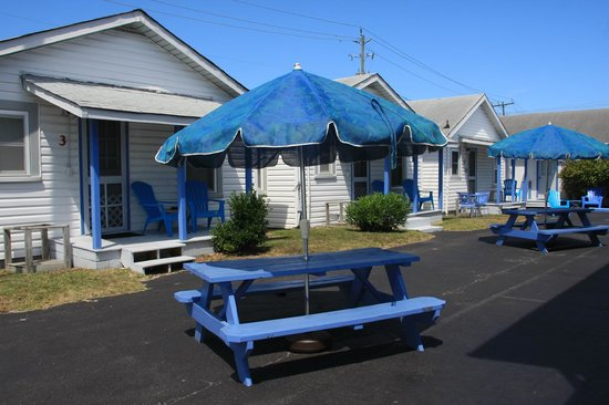 Palm Air Cottages: The little cubby way between our rentals
