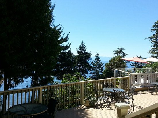 Rockwater Secret Cove Resort: View from the pool side rooms