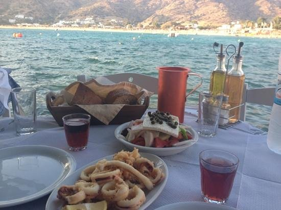 Drakos Taverna: Lovely meal with lovely view!