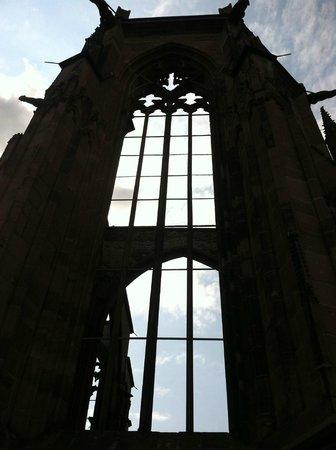 Hotel Bacharacher Hof: Gothic church ruins.