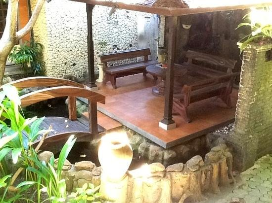 Bali Segara Hotel: Chill out area beside the pool