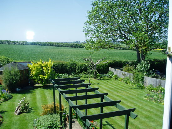 HillBerry Bed and Breakfast: View from Large Double Bedroom at rear of property