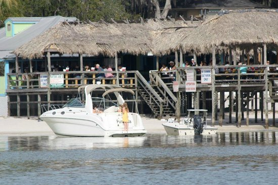 Sleep Inn & Suites Wildwood - The VIllages: Enjoy nearby Gator Joe's on Lake Weir.