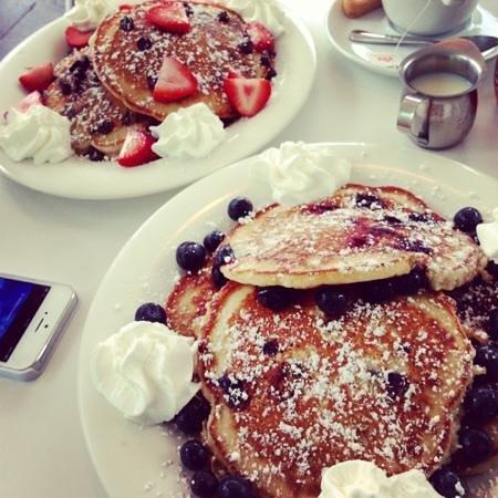 Ben & Jerry's Condado: chocolate & blueberry pancakes!