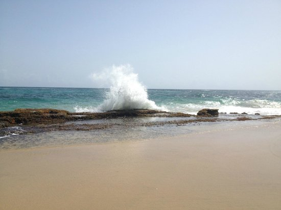 Villa Montana Beach Resort: walk on the beach