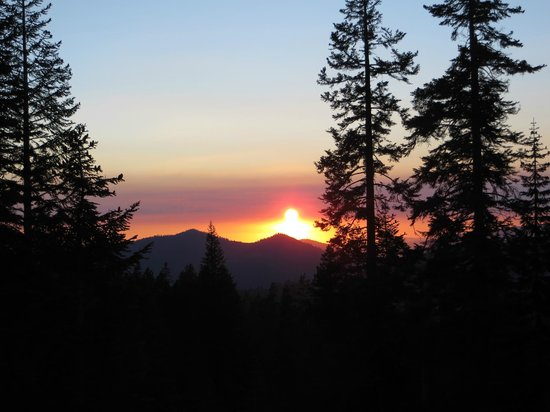 Sequoia High Sierra Camp: View of Sunset from Dining Pavilion