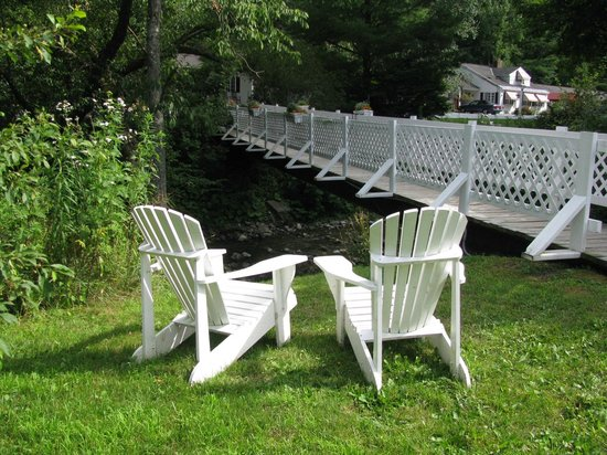 The 1896 House Country Inn - Brookside & Pondside: Perfect setting...