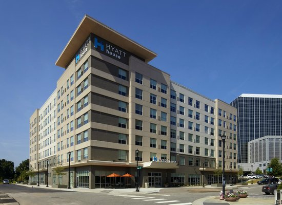 Hyatt House Raleigh North Hills: Hotel Exterior