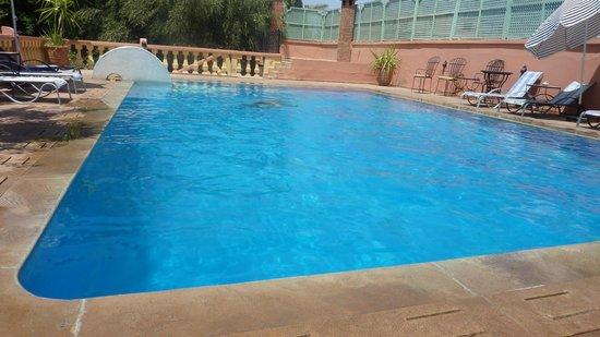 Villa Guest & Spa: La piscine