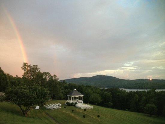 The Lucerne Inn : Actual photo- during dinner a perfect rainbow appeared