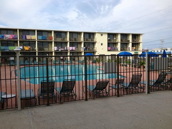 The Beachmark Motel: Poolside room - View from room