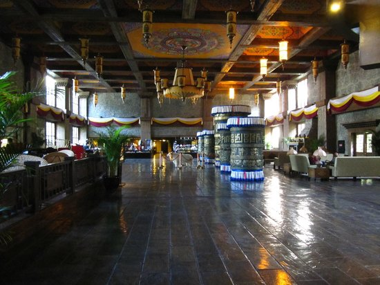 Holiday Inn Jiuzhai Jarpo: Hall de Entrada do Hotel
