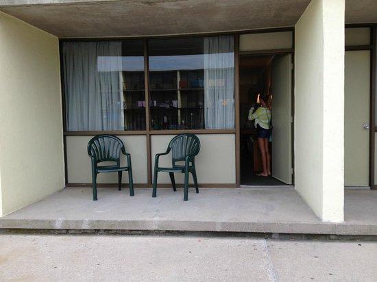 The Beachmark Motel: First floor porch