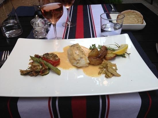 La Table: Meget lækker fisk med en skøn sauce.