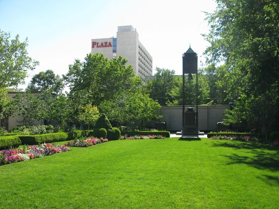 View of the Salt Lake Plaza Hotel from Temple Square
