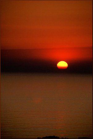 Longbeach Hotel : Sunset